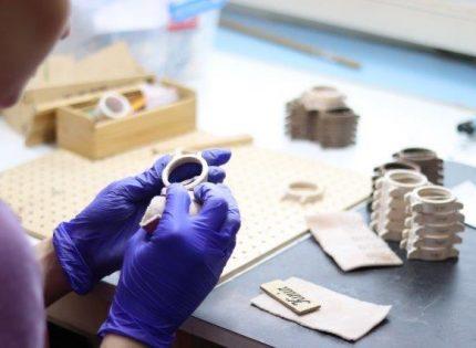 Produkty są wwiększości ręcznie wykonywane lub obrabiane