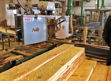 Od jednego producenta maszyny w linii do produkcji palet