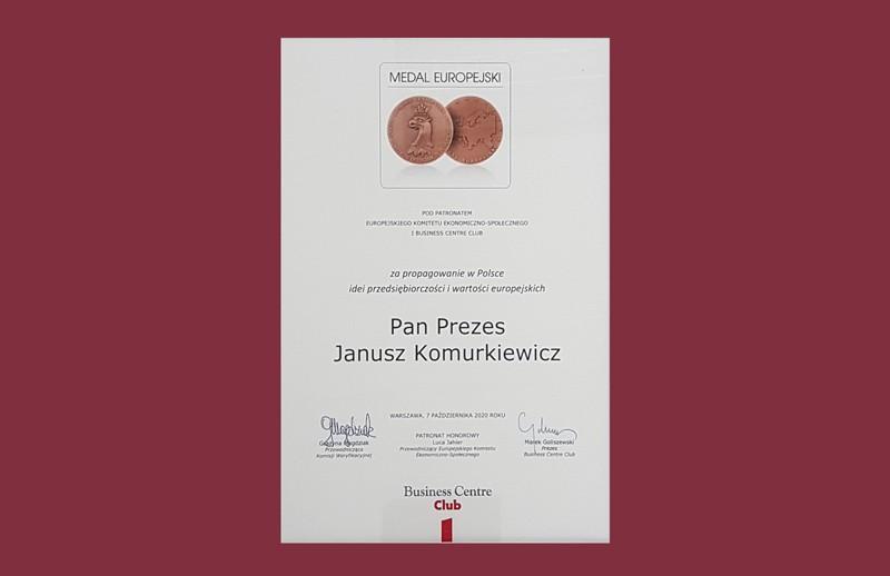 Prezes Związku Polskie Okna i Drzwi – Janusz Komurkiewicz – nagrodzony Honorowym Medalem Europejskim
