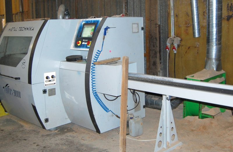 Dwa modele optymalizerek do produkcji dębowych fryzów